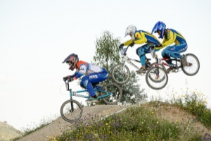 BMX clinic op mobiele pumptrackbaan in Lievelde